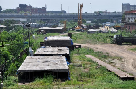 A stalled work site of the East-West Metro Corridor project beside Howrah station's old complex.